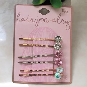 Set of three hair pins